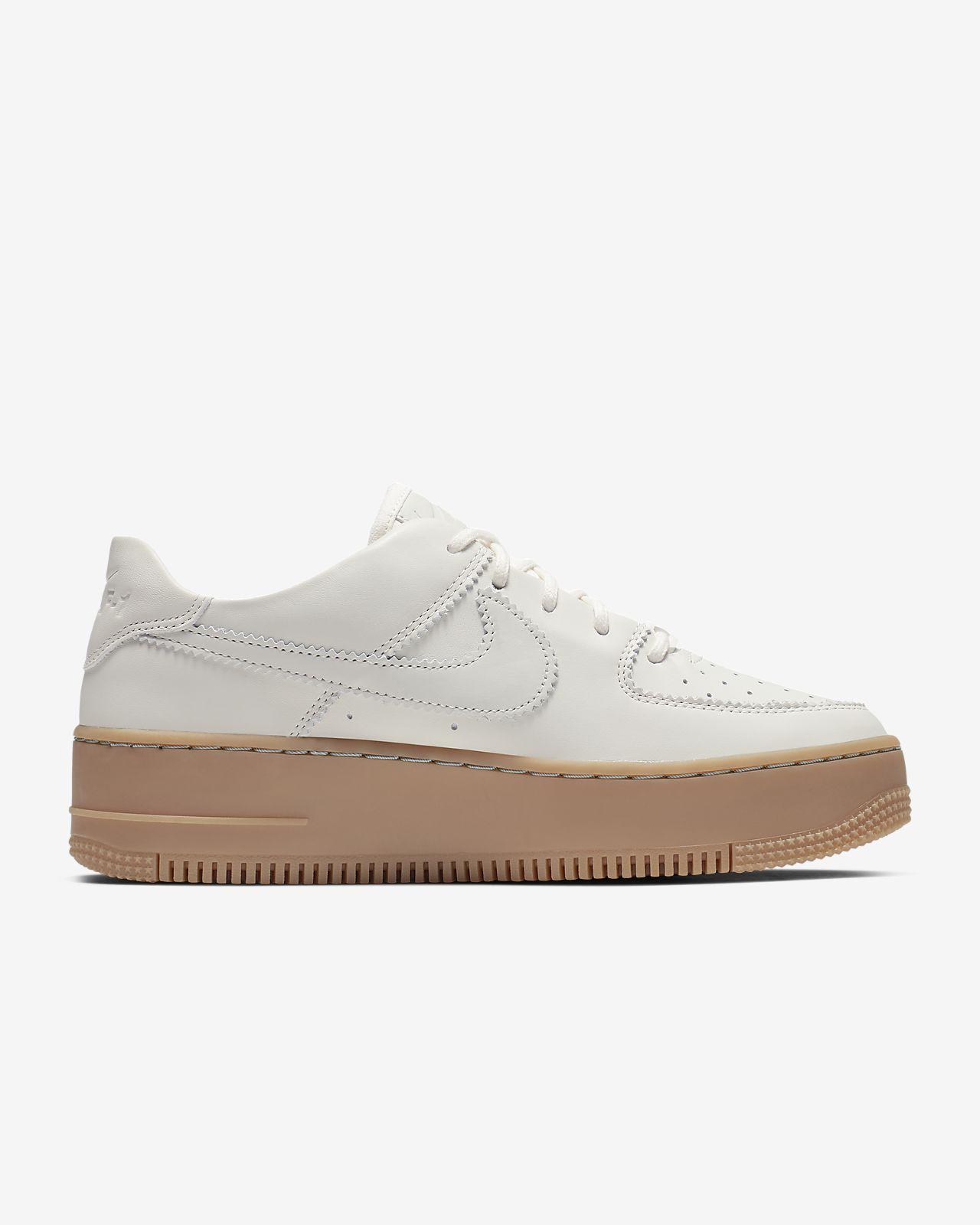new style 99712 574ce Nike Air Force 1 Sage Low LX-sko til kvinder. Nike.com DK