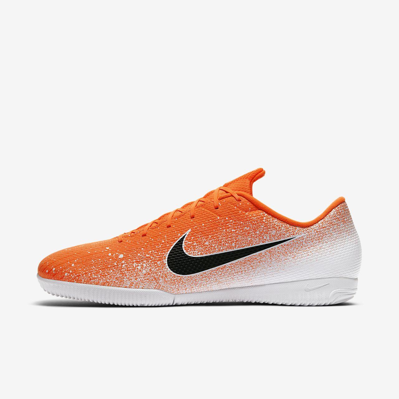 Fotbollssko för inomhusplan/futsal/street Nike VaporX 12 Academy IC