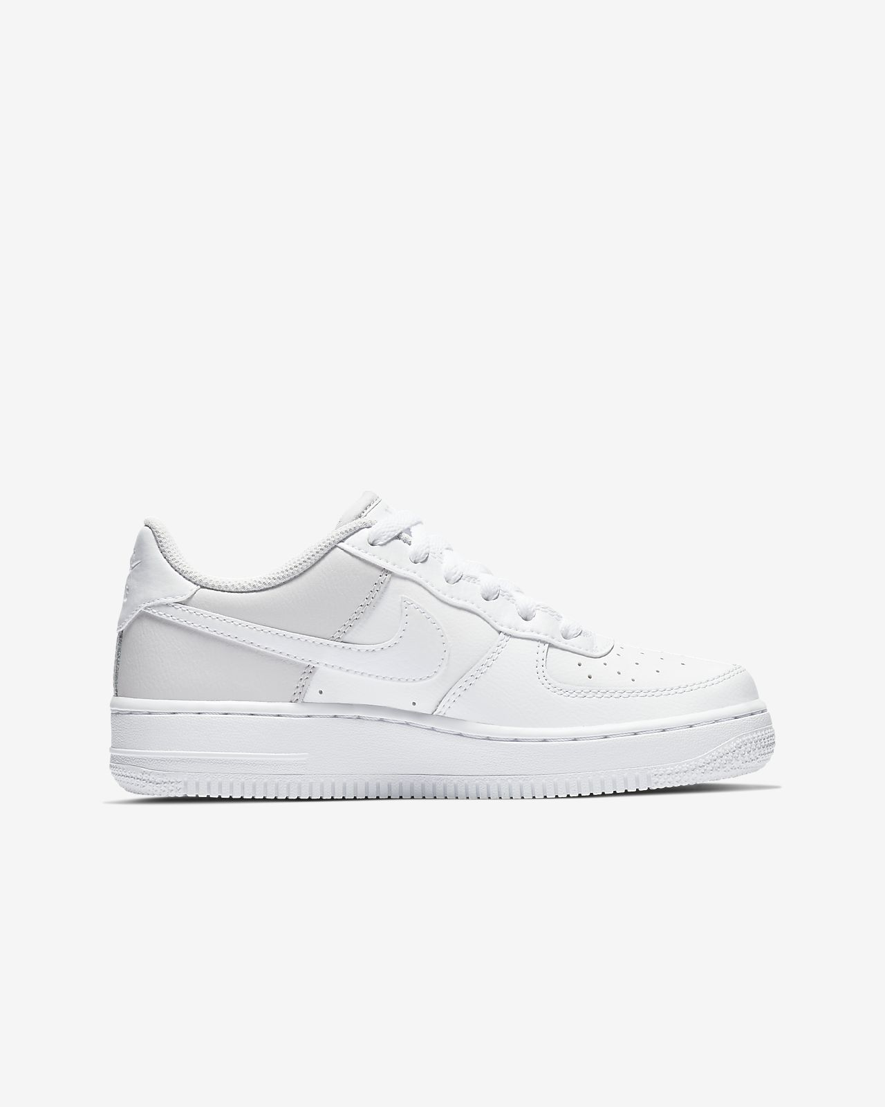 sale retailer d0b44 ea456 ... Nike Air Force 1  06 Big Kids  Shoe