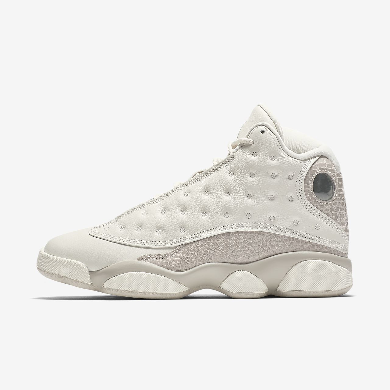 afb7ea5257ee5f Air Jordan 13 Retro Women s Shoe. Nike.com EG
