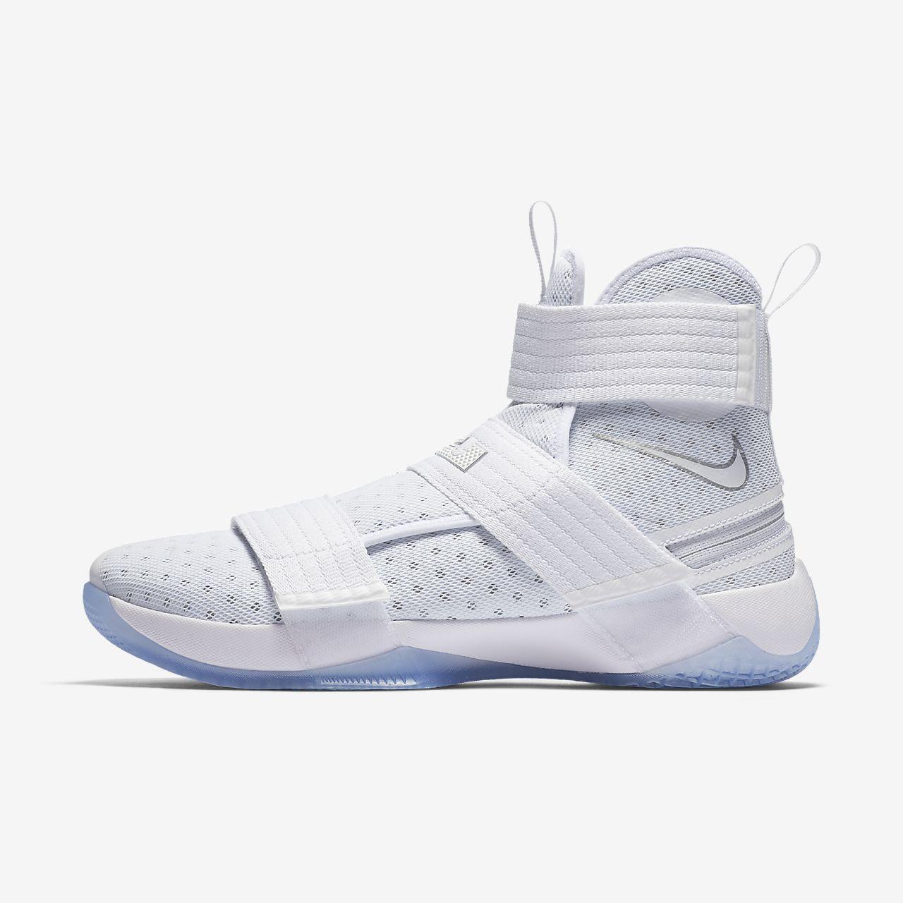 ... Nike LeBron Soldier 10 FlyEase Men\u0027s Basketball Shoe