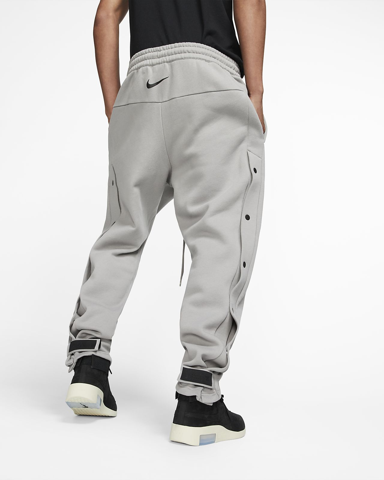 72c6ddeda Nike x Fear of God Men's Warm-Up Pants. Nike.com