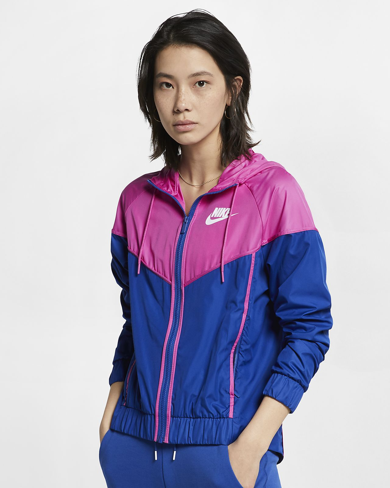 9b8cd48ec715 Nike Sportswear Windrunner Women s Woven Windbreaker. Nike.com