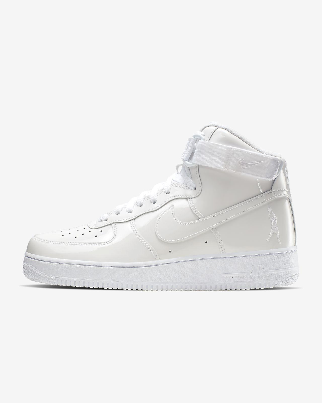 รองเท้าผู้ชาย Nike Air Force 1 High Retro QS