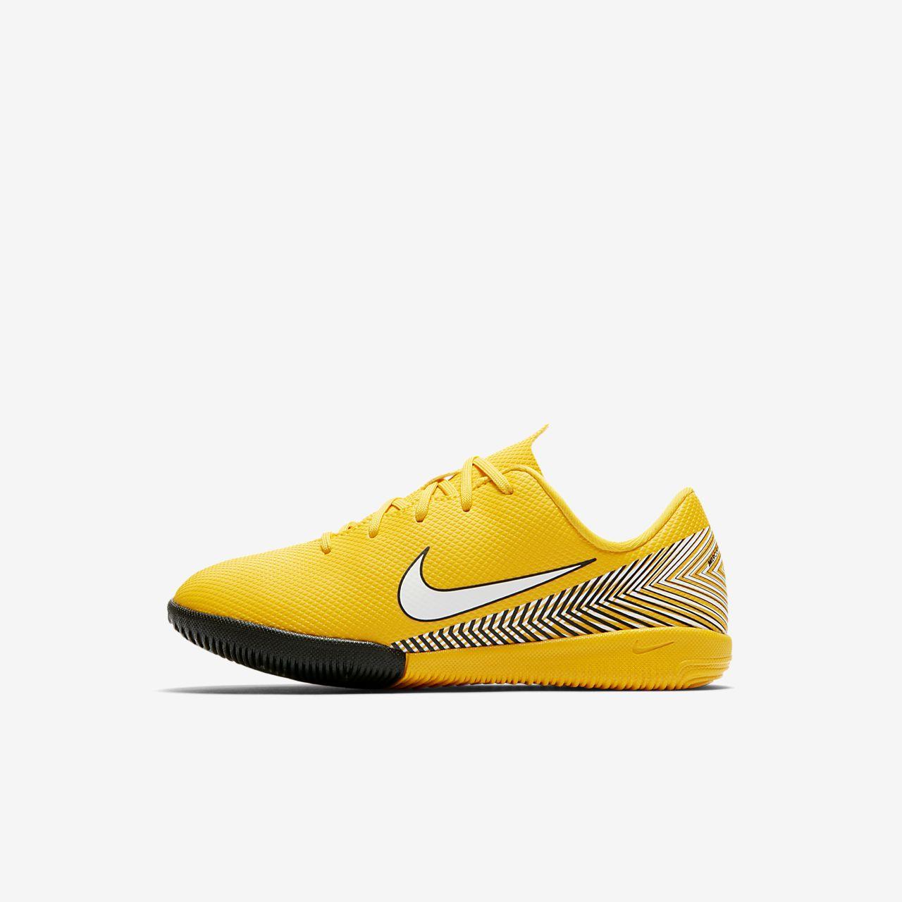 online retailer ea93f a653f Scarpa da calcio per campo indoor/cemento Nike Jr. Mercurial Vapor XII  Academy Neymar ...