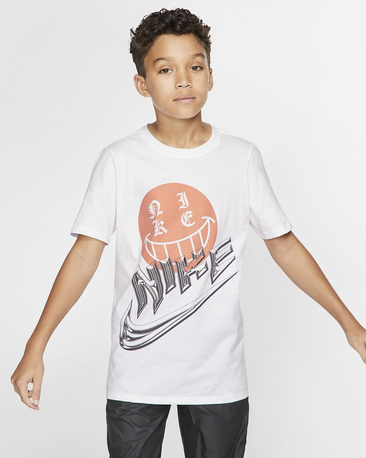 Nike Sportswear Big Kids' (Boys') Color-Reveal T-Shirt