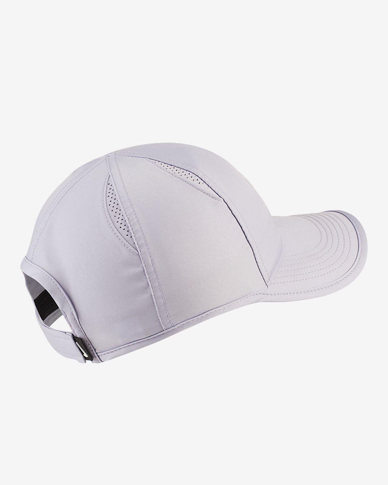 b9272d83 NikeCourt AeroBill Featherlight Women's Tennis Cap. Nike.com