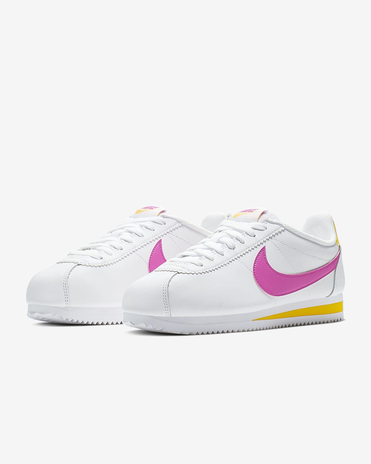 ab9e9269a412 Nike Classic Cortez Women s Shoe. Nike.com GB