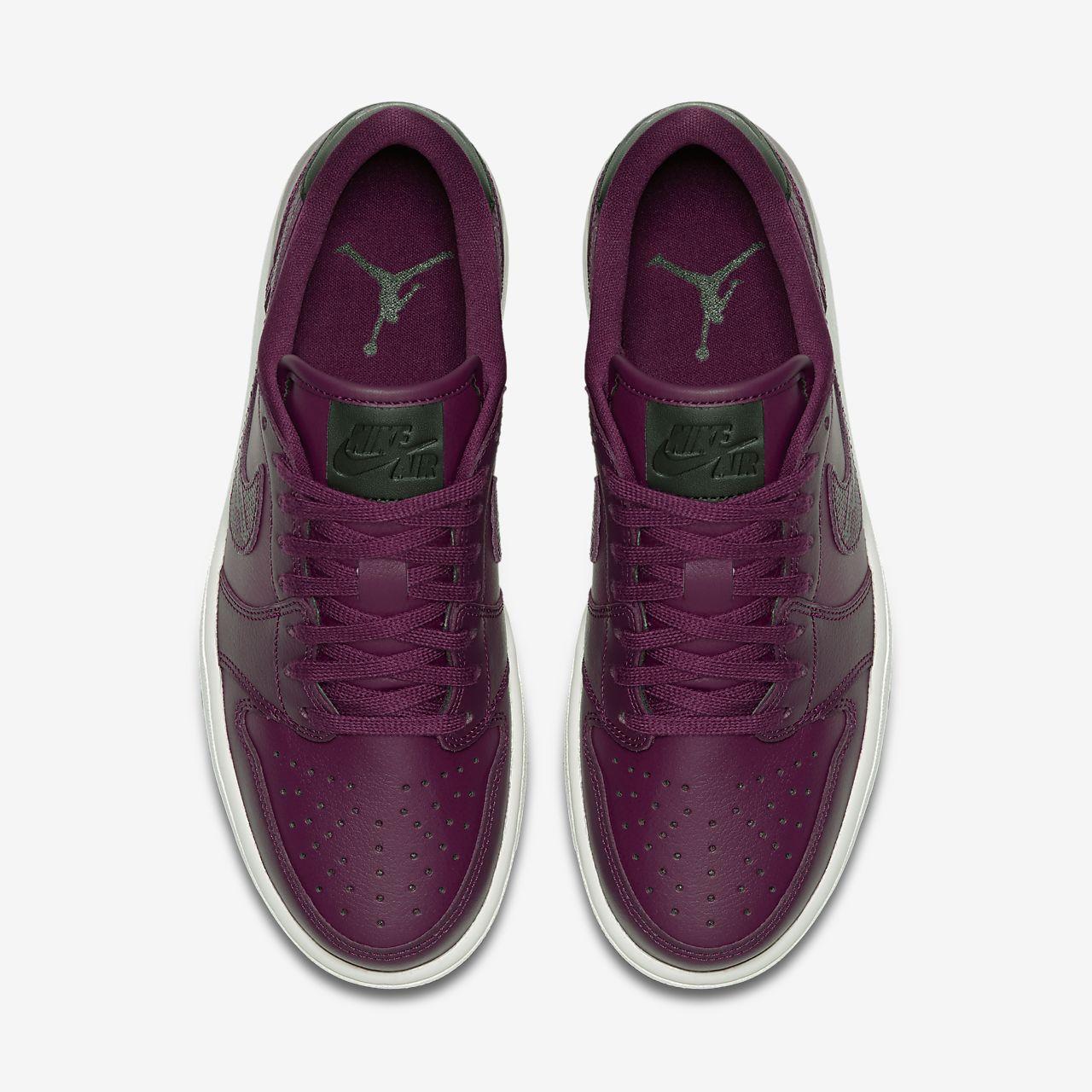 finest selection 05f38 d9e44 Air Jordan 1 Retro Low OG Women's Shoe