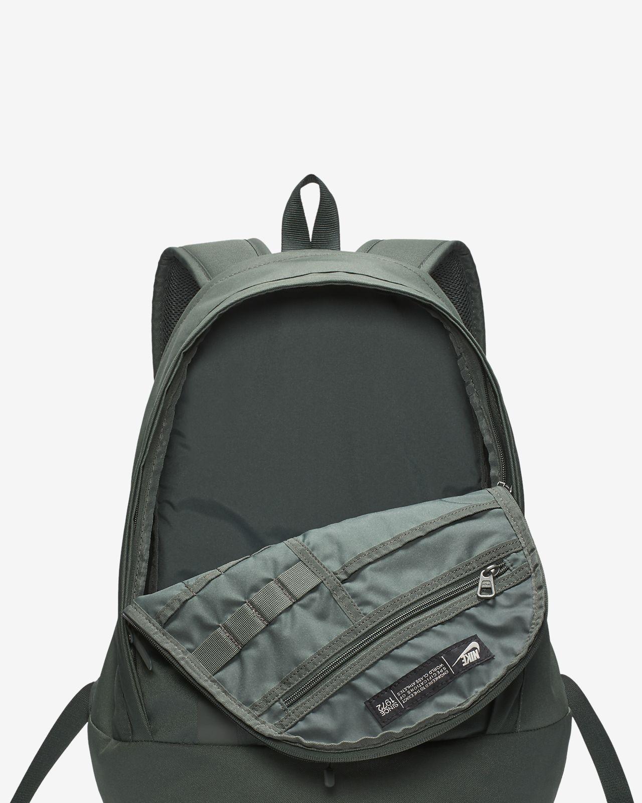 0c0bac32a4 Nike Sportswear Cheyenne 3.0 Solid Backpack. Nike.com GB