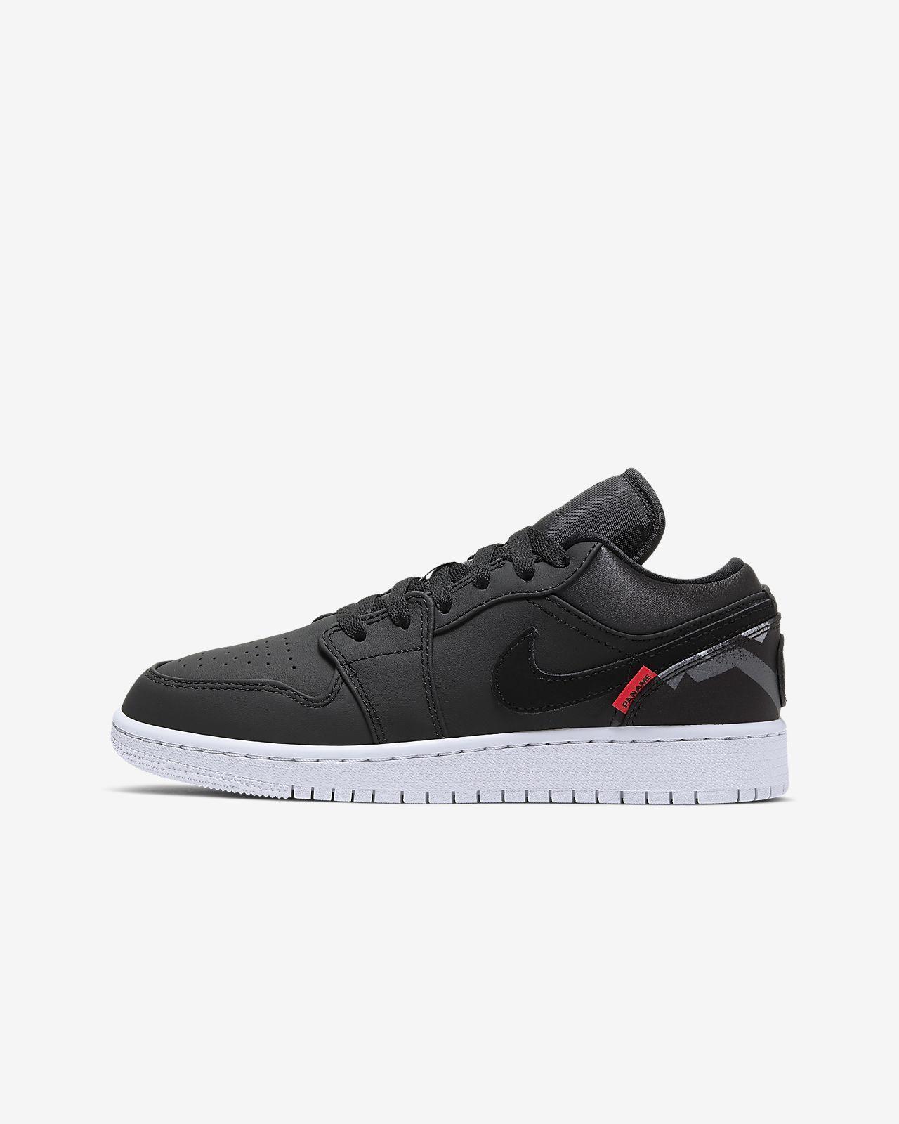 many styles quite nice top fashion Air Jordan 1 Low Paris Saint-Germain Older Kids' Shoe