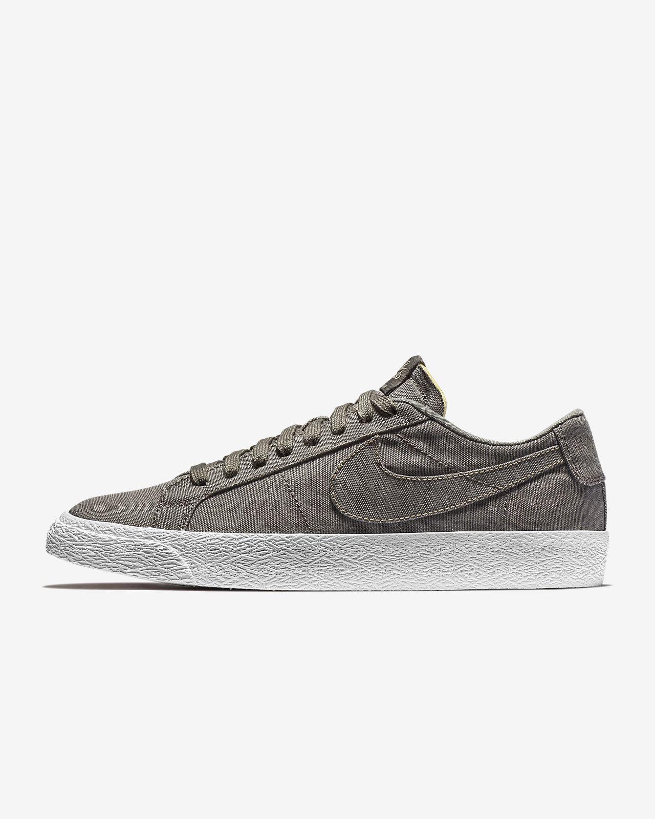 Nike - Blazer Faible Taille Kaki / Vert / Beige: 42,5