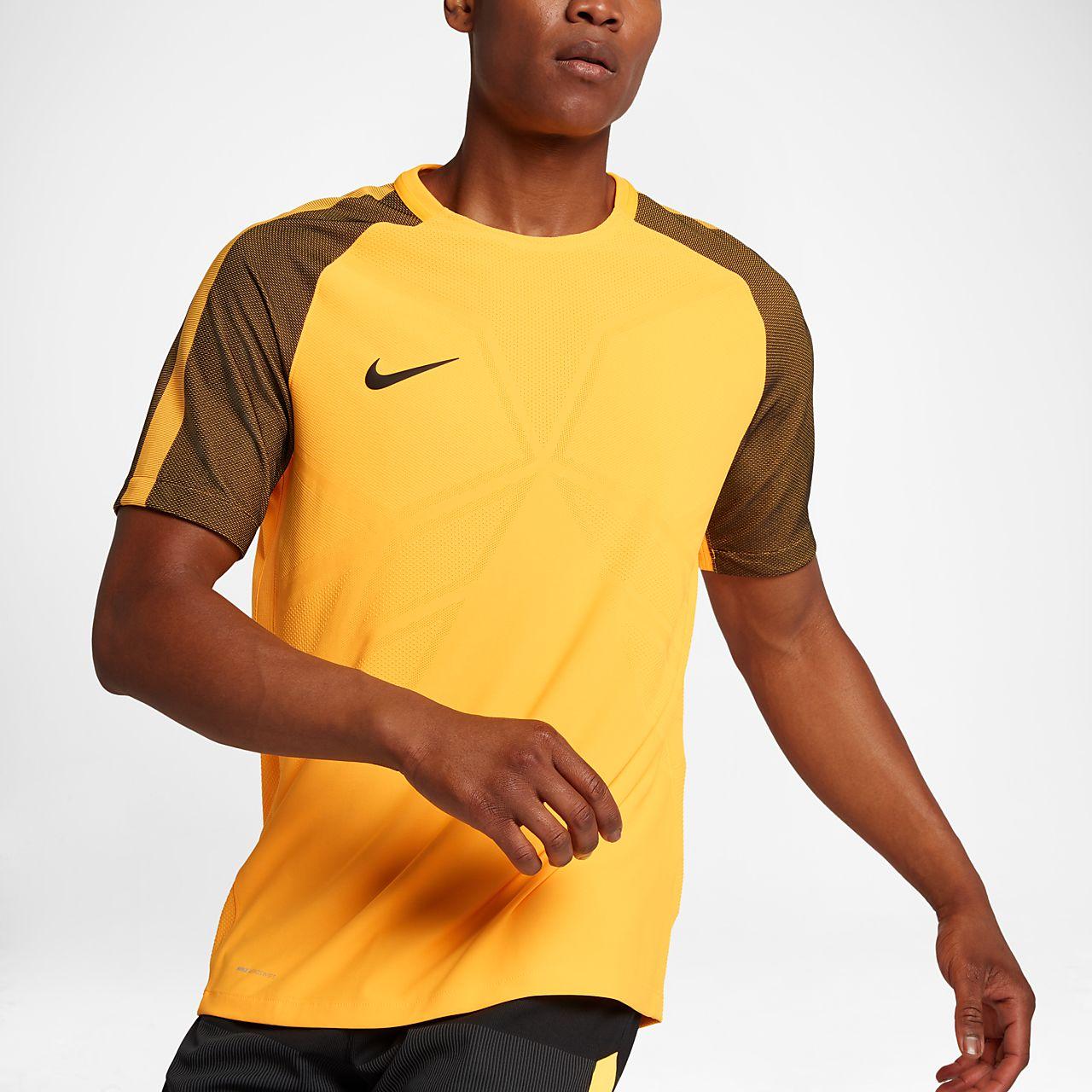 ... Top de fútbol de manga corta para hombre Nike Strike AeroSwift Strike 6f41d25fd58b2