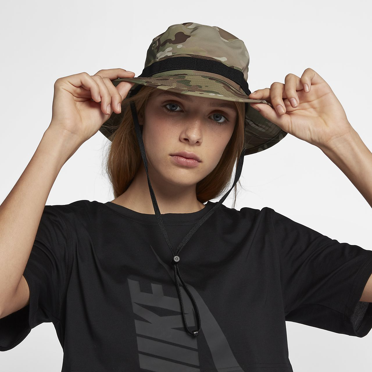 Sombrero tipo pescador de camuflaje NikeLab