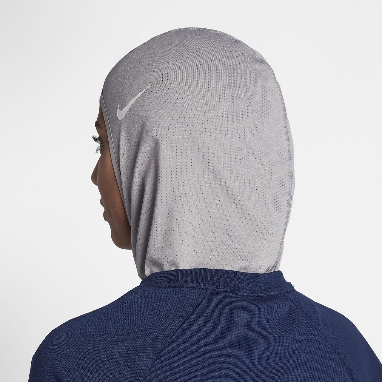 hot sale online a9389 e29c5 Nike Pro Women s Hijab. Nike.com GB