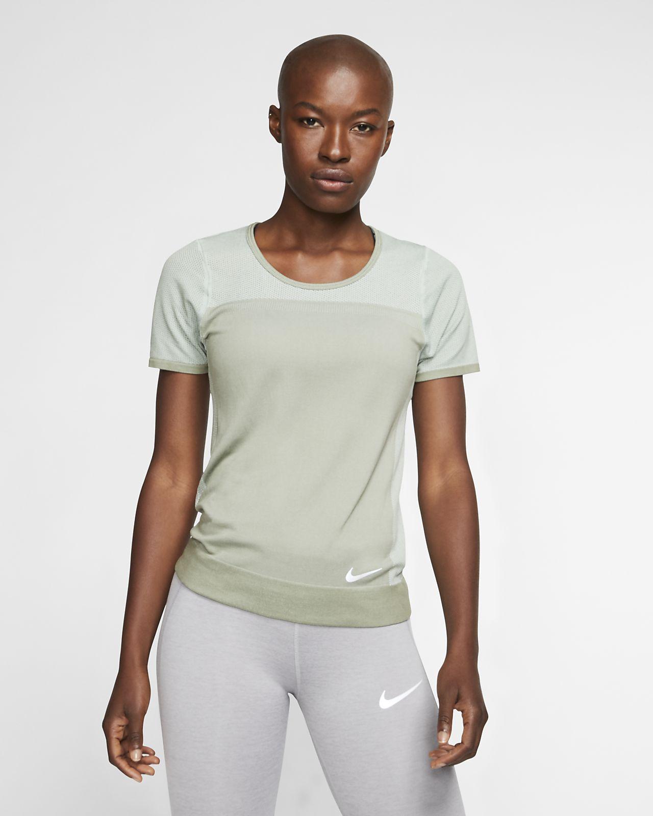 Nike Infinite Kısa Kollu Kadın Koşu Üstü