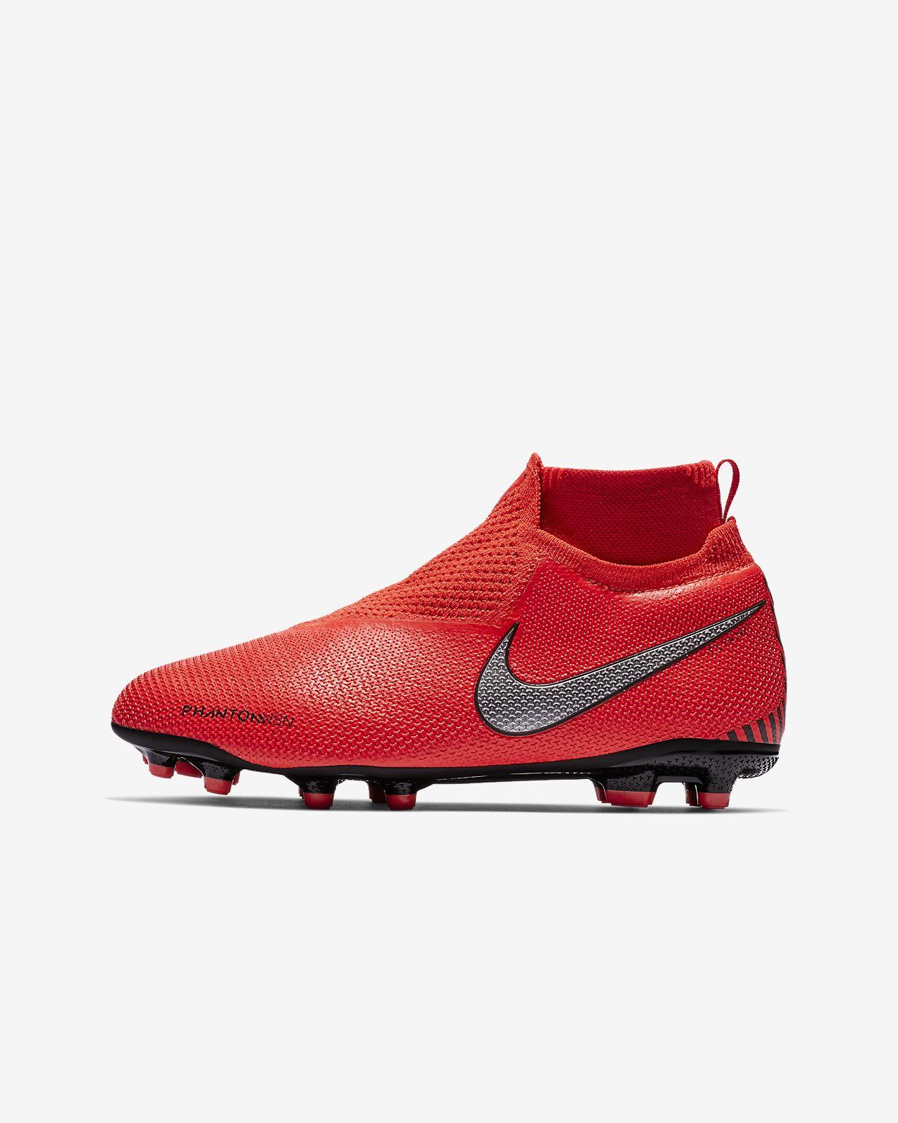 ... Chuteiras de futebol multiterreno Nike Jr. PhantomVSN Elite Dynamic Fit  Game Over MG Júnior 7932620b8a316