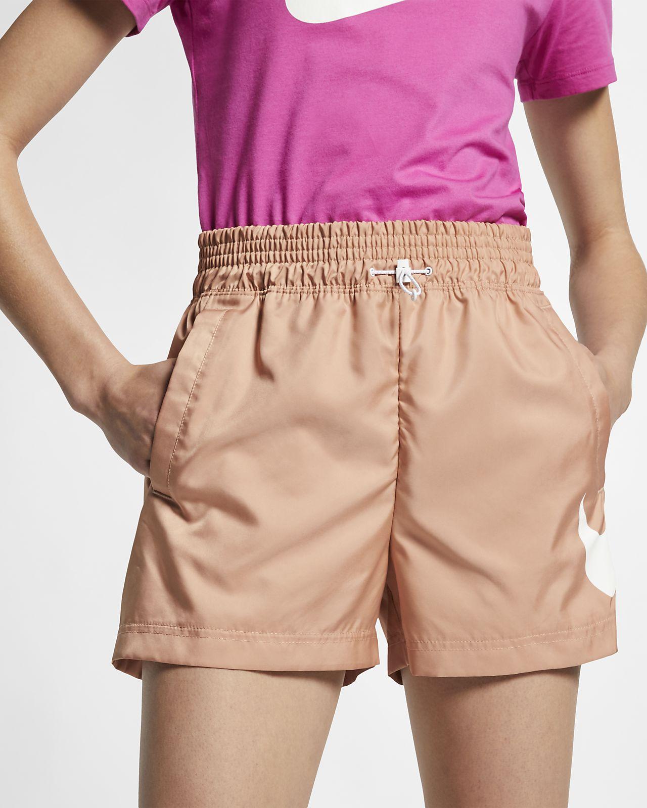 Nike Sportswear Swoosh-vævede shorts til kvinder