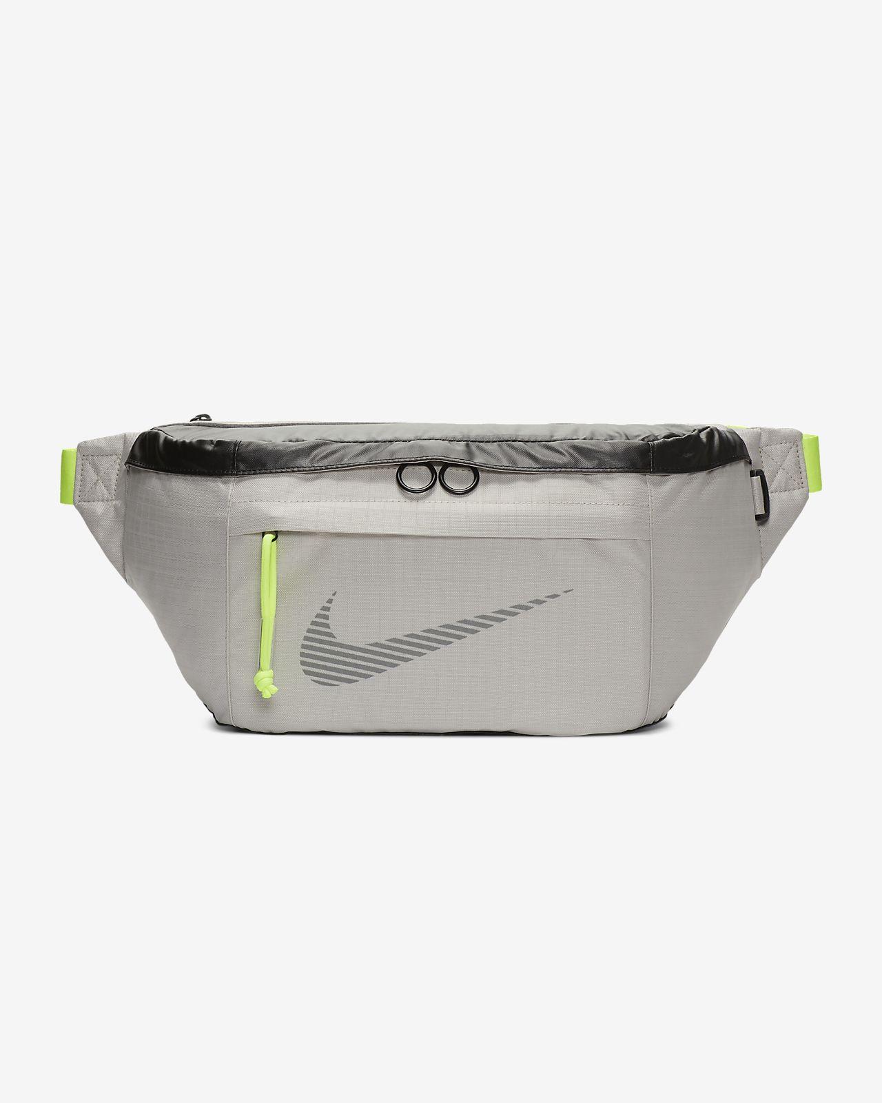 great deals classic shoes size 7 Sac banane Nike Sportswear pour l'hiver
