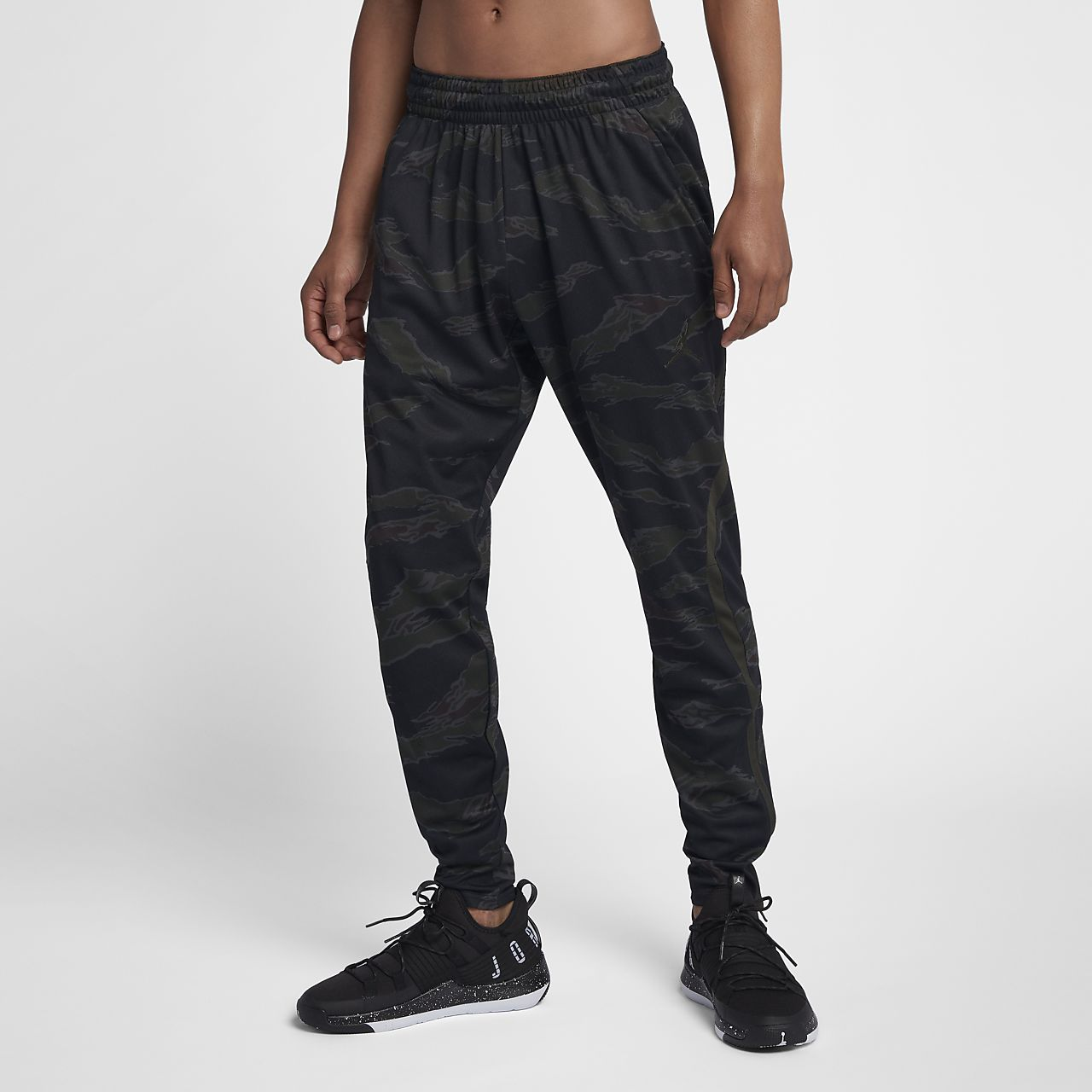 b3b38a6a0e9194 Jordan Dri-FIT 23 Alpha Men s Print Training Trousers. Nike.com IN