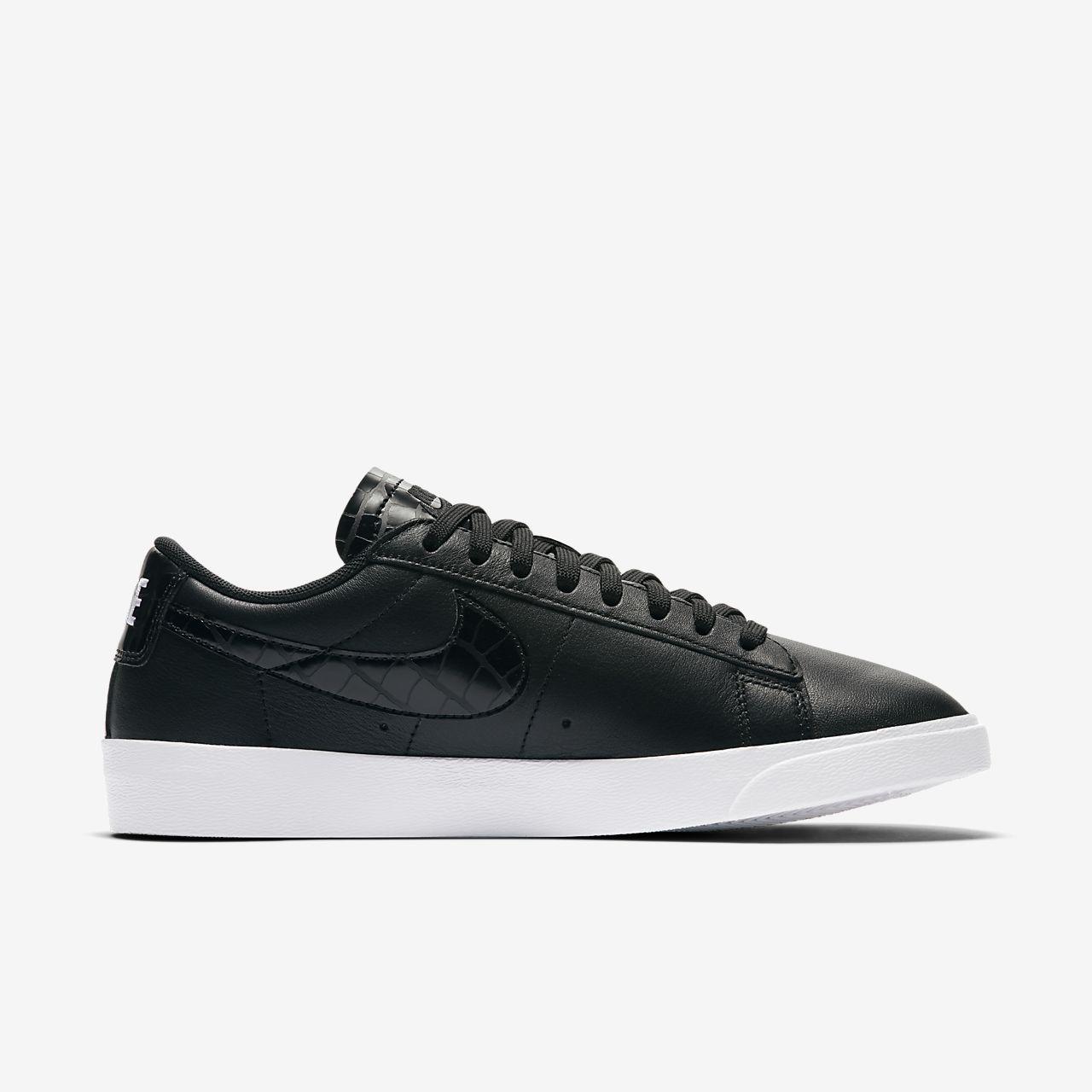 Nike Wmns Blazer Low Essential noir/ noir-Black