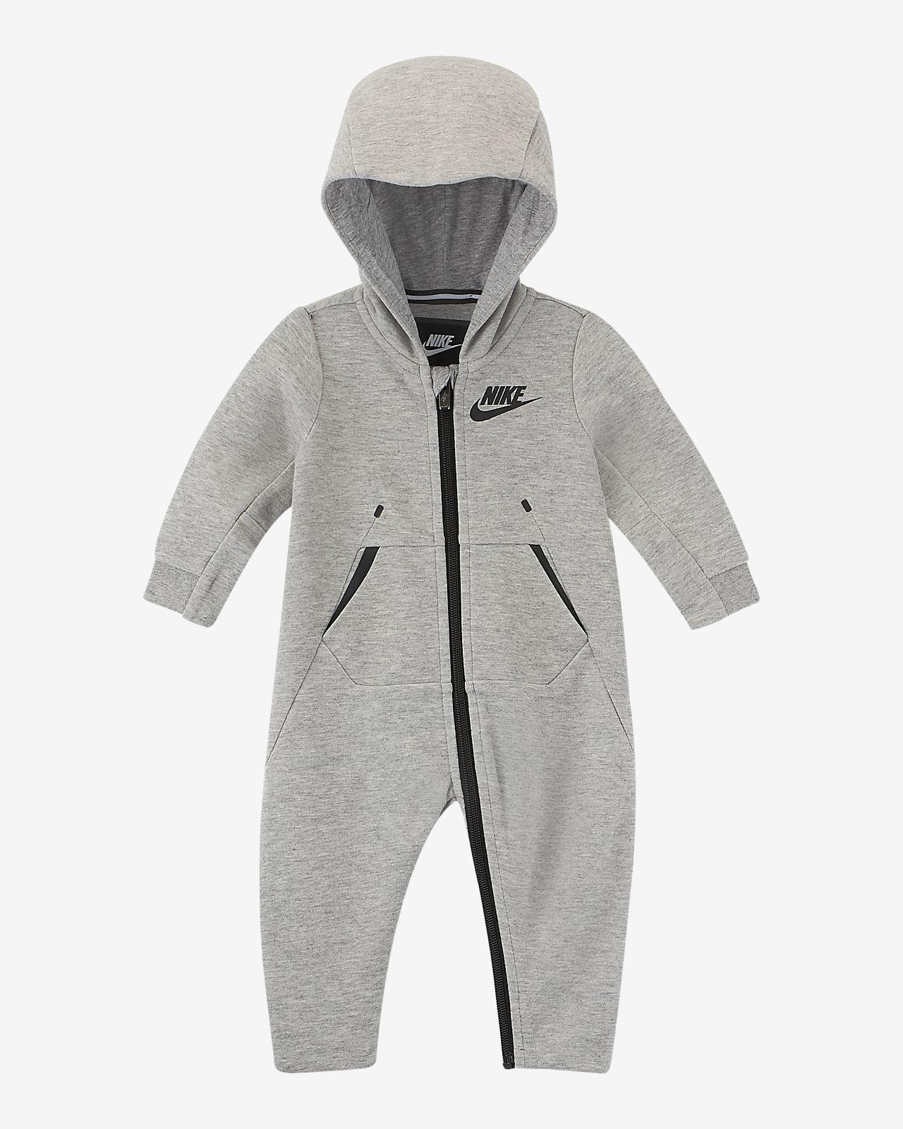 64dba479321 Nike Tech Fleece-heldragt med hætte til babyer (0-9 M). Nike.com DK