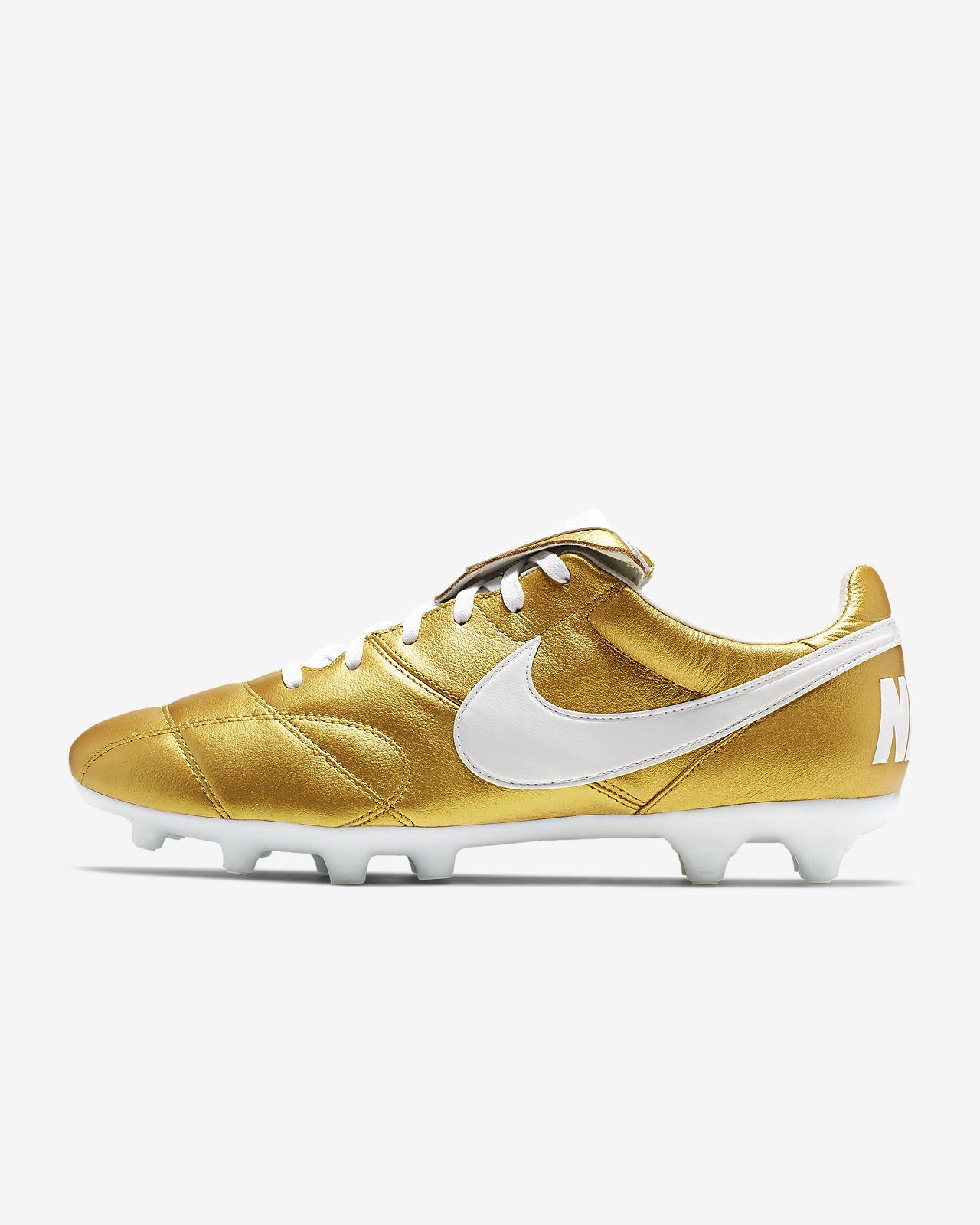 huge discount f396d 9f096 ... Chaussure de football à crampons pour terrain sec Nike Premier II FG