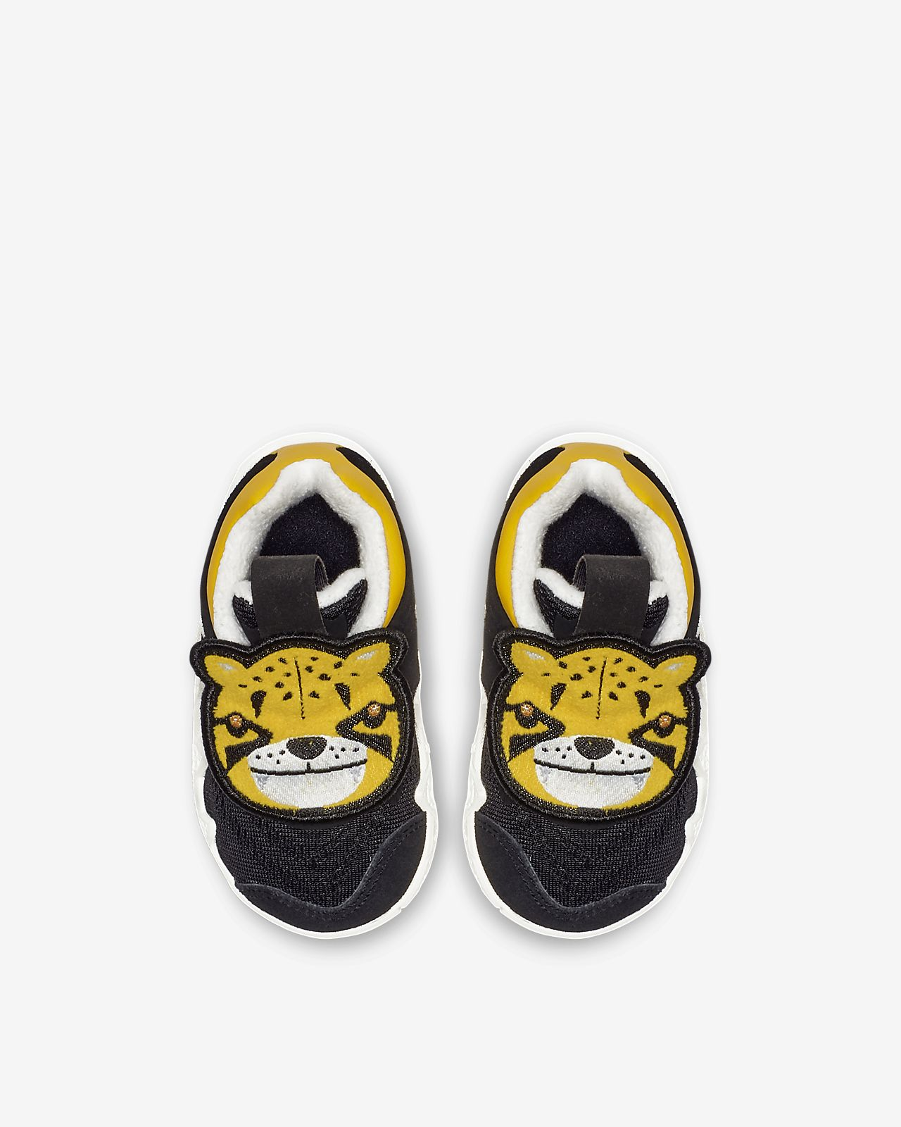 46cf2603a8b4 Kyrie 4 Little Big Cats Toddler Shoe. Nike.com IN
