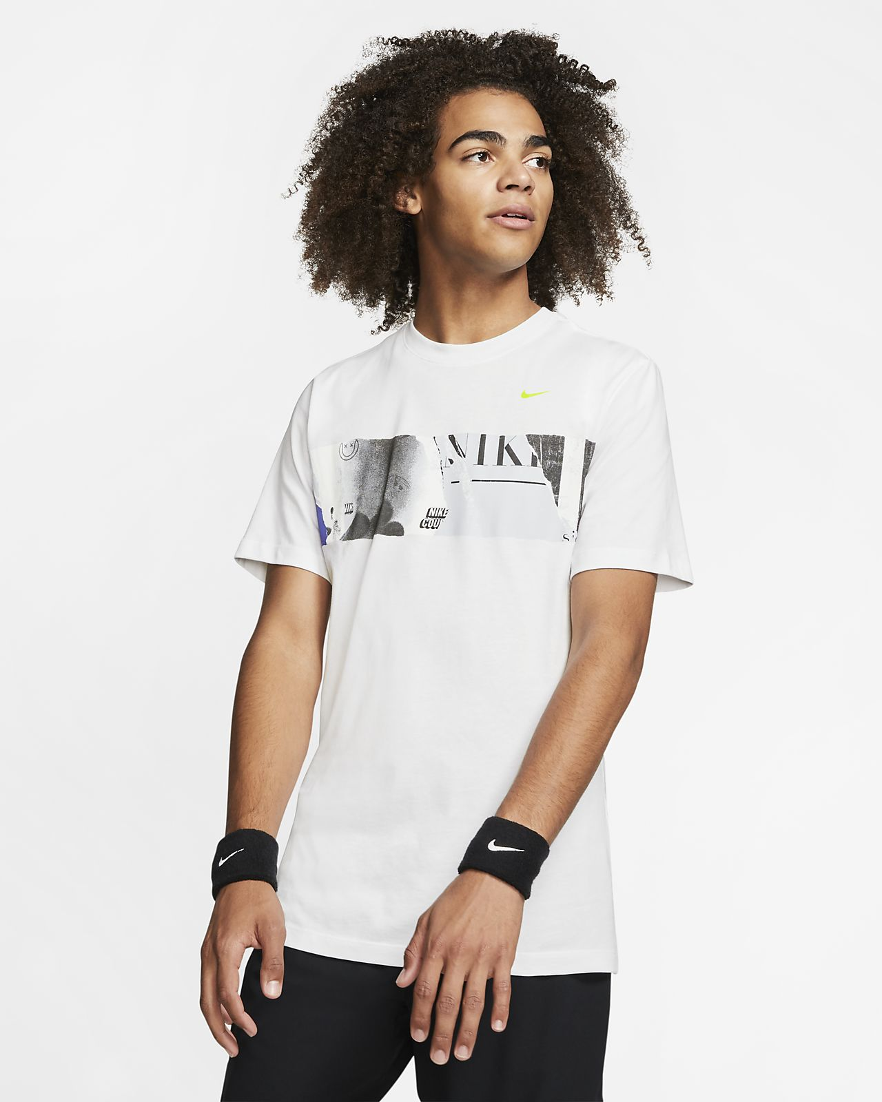 Pánské tenisové tričko NikeCourt s grafickým motivem