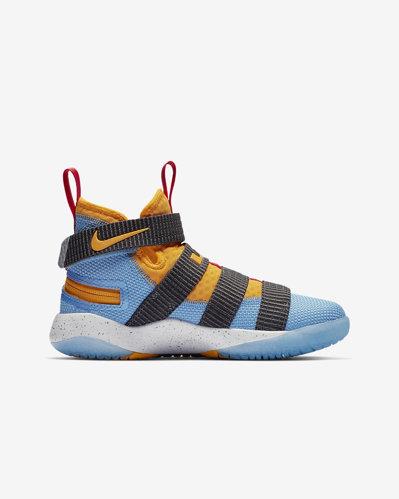 509ff4a17d777 LeBron Soldier 11 FlyEase Older Kids  Basketball Shoe. Nike.com NL