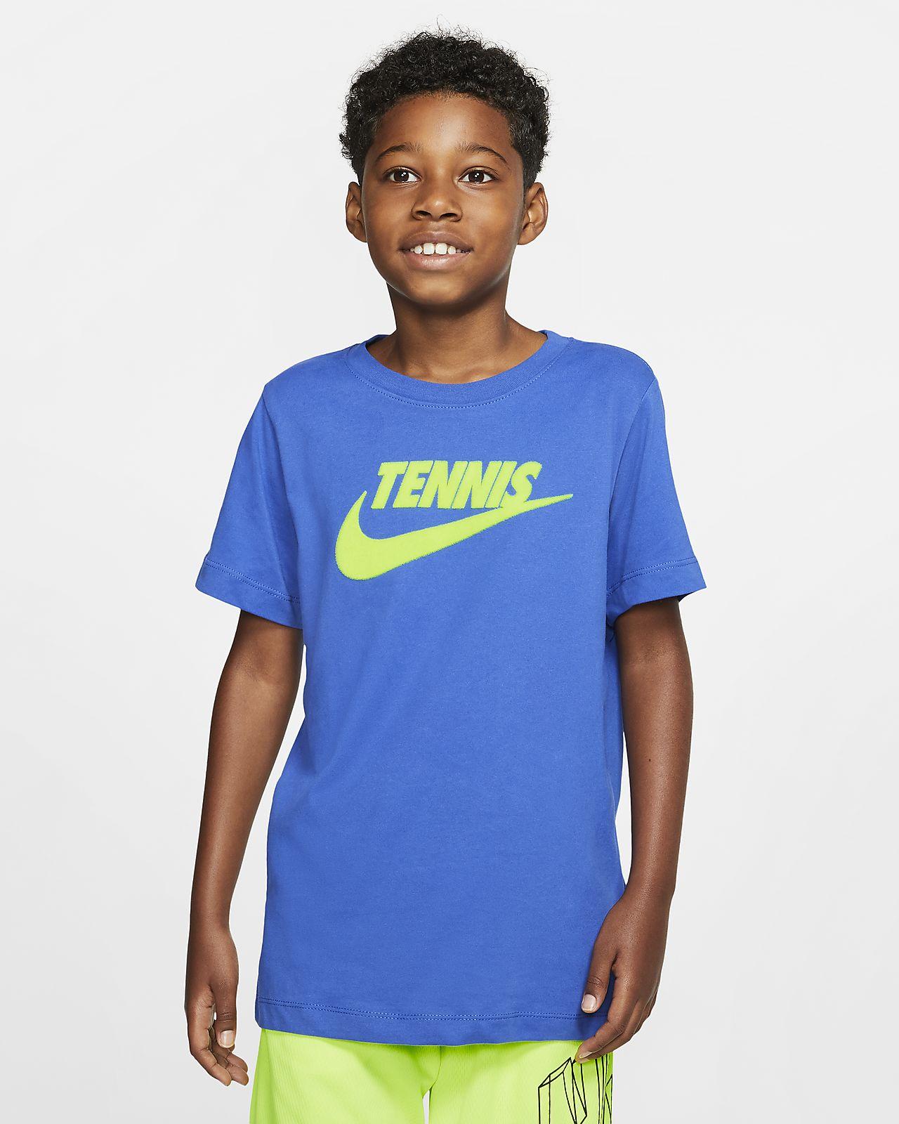 NikeCourt Dri-FIT mintás fiú teniszpóló