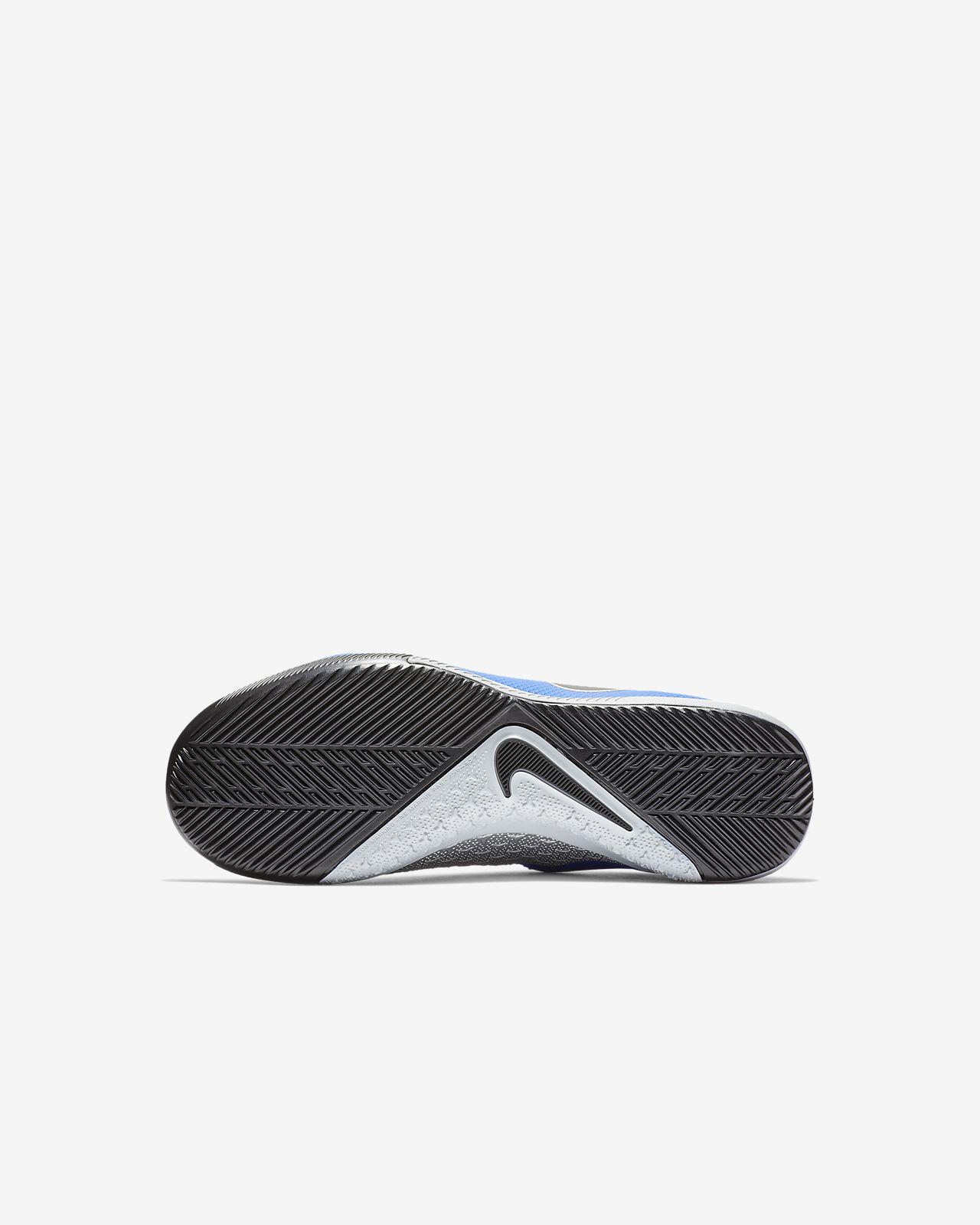 16b4b4534 ... Nike Jr. Phantom Vision Academy Dynamic Fit IC Kids  Indoor Court  Football Boot