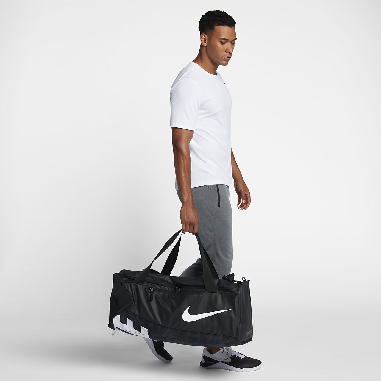 e786e12ca0 ... Τσάντα γυμναστηρίου Nike Alpha Adapt Cross Body (μέγεθος Large)