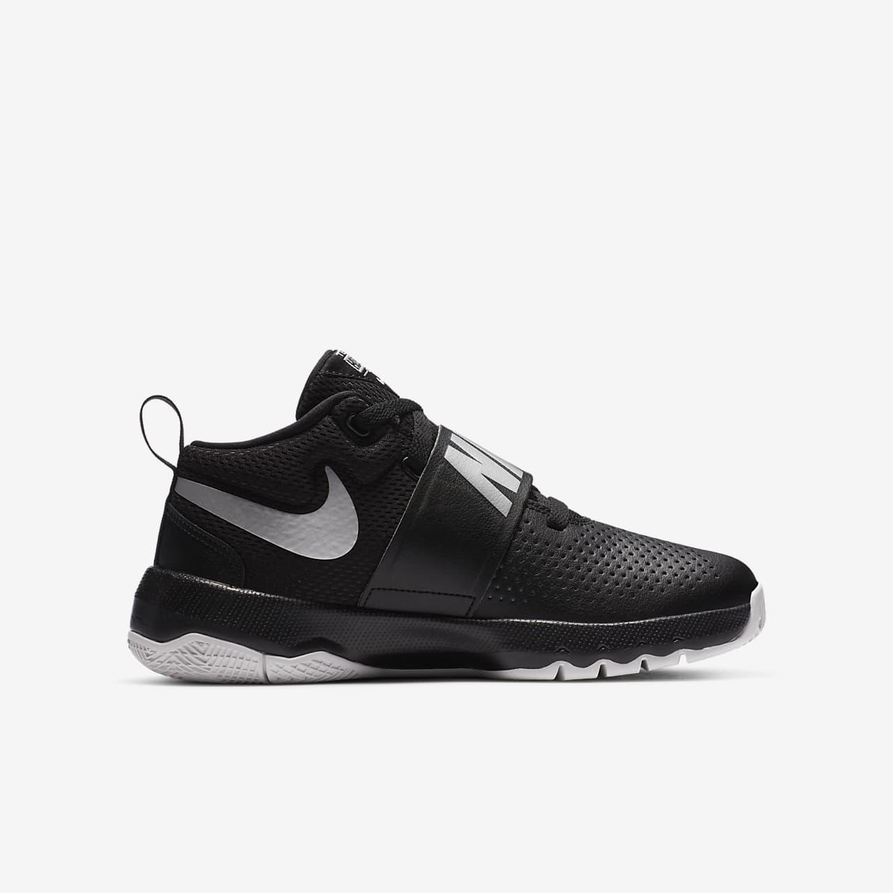 Nike Team Hustle D 8 Kids Basketball Shoe