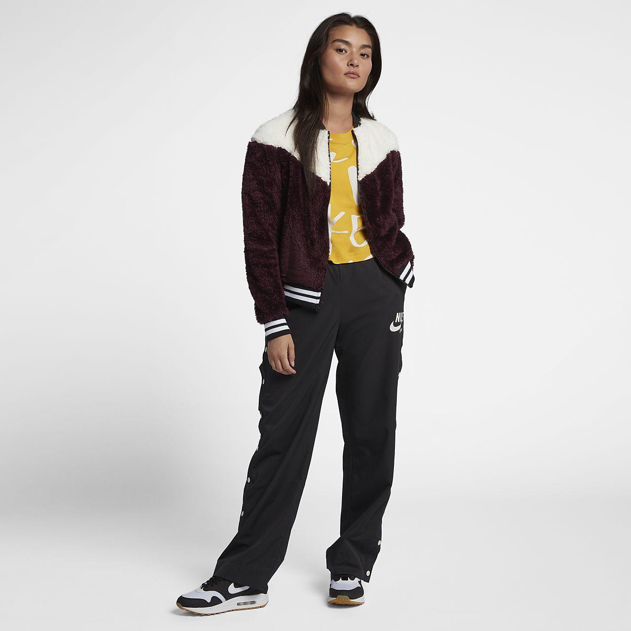 036183ba Nike Sportswear Women's Sherpa Bomber Jacket. Nike.com HR