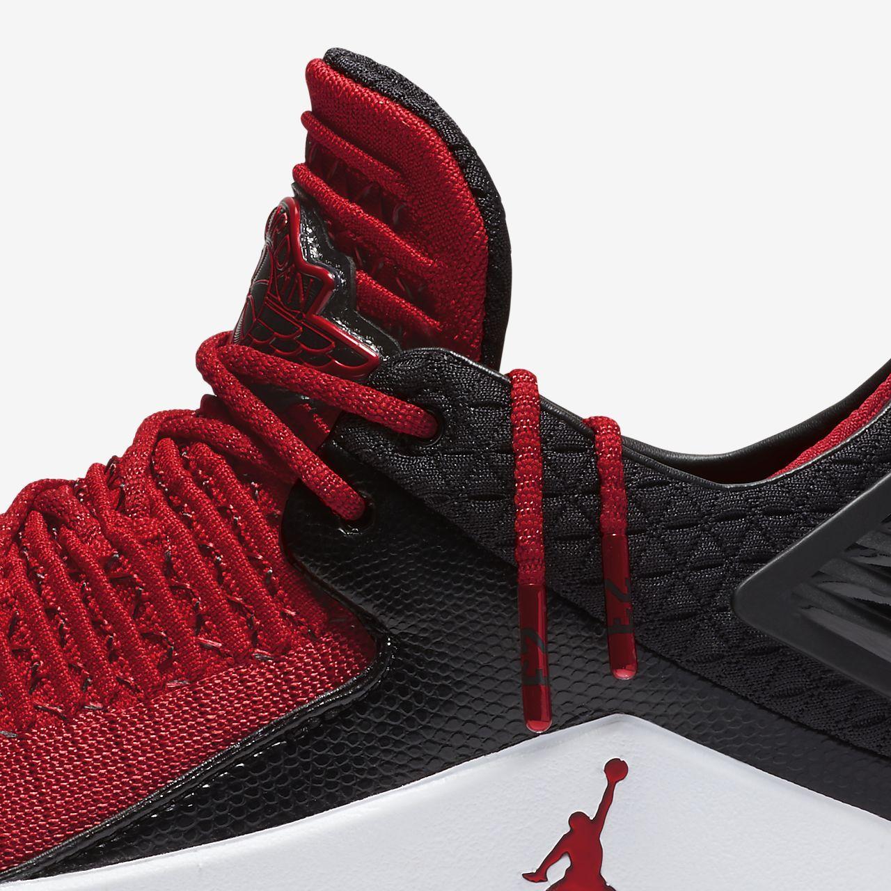 ... Air Jordan XXXII Low \