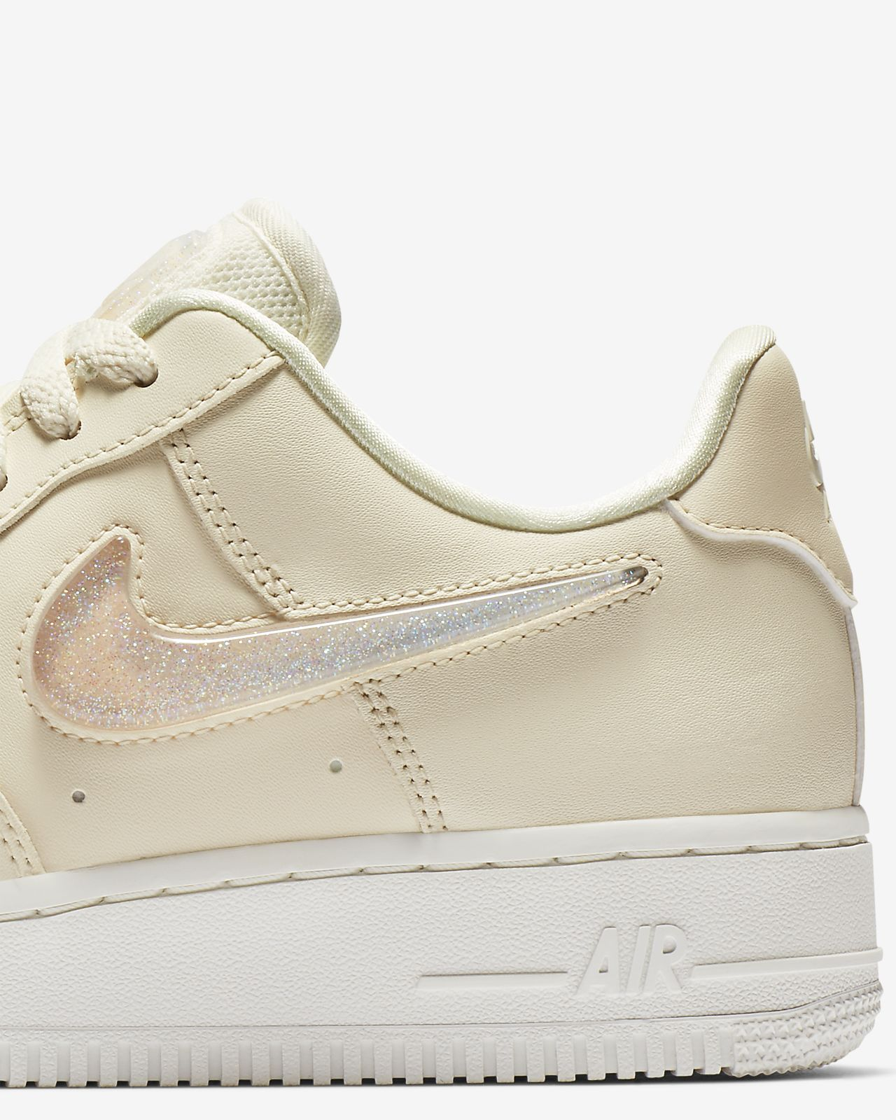 fab0d4cb088a1 Nike Air Force 1 '07 SE Premium Women's Shoe. Nike.com IE