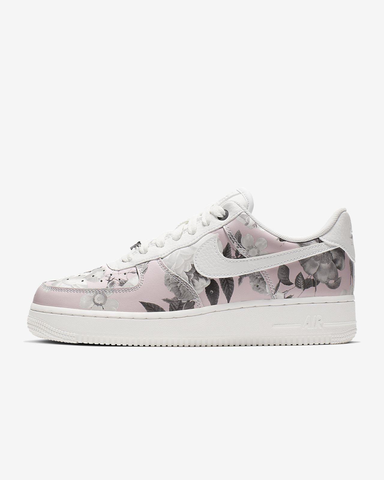 Nike Air Force 1 '07 LXX Kadın Ayakkabısı