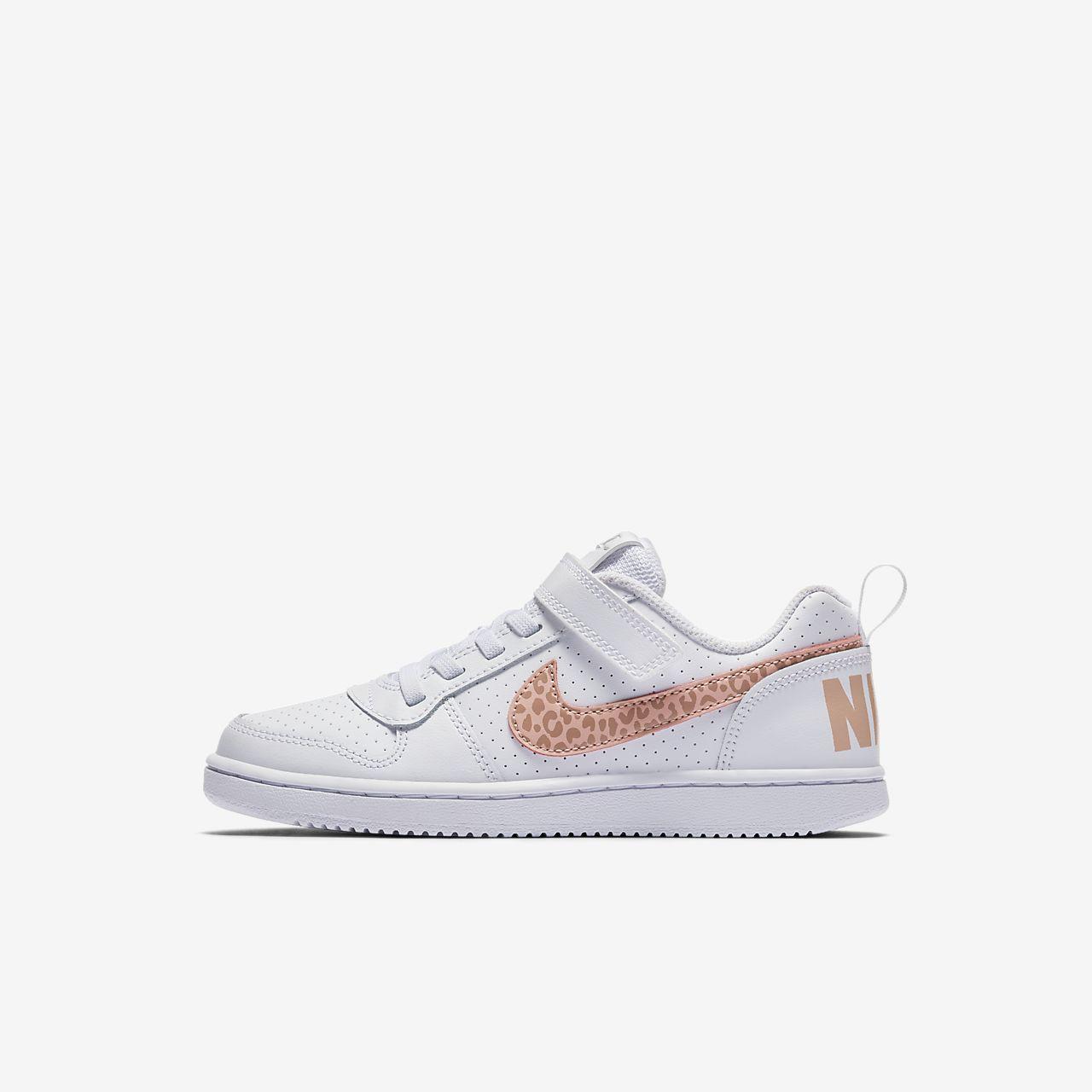 NikeCourt Borough Low Schuh für jüngere Kinder - Schwarz Hwip0zumNq