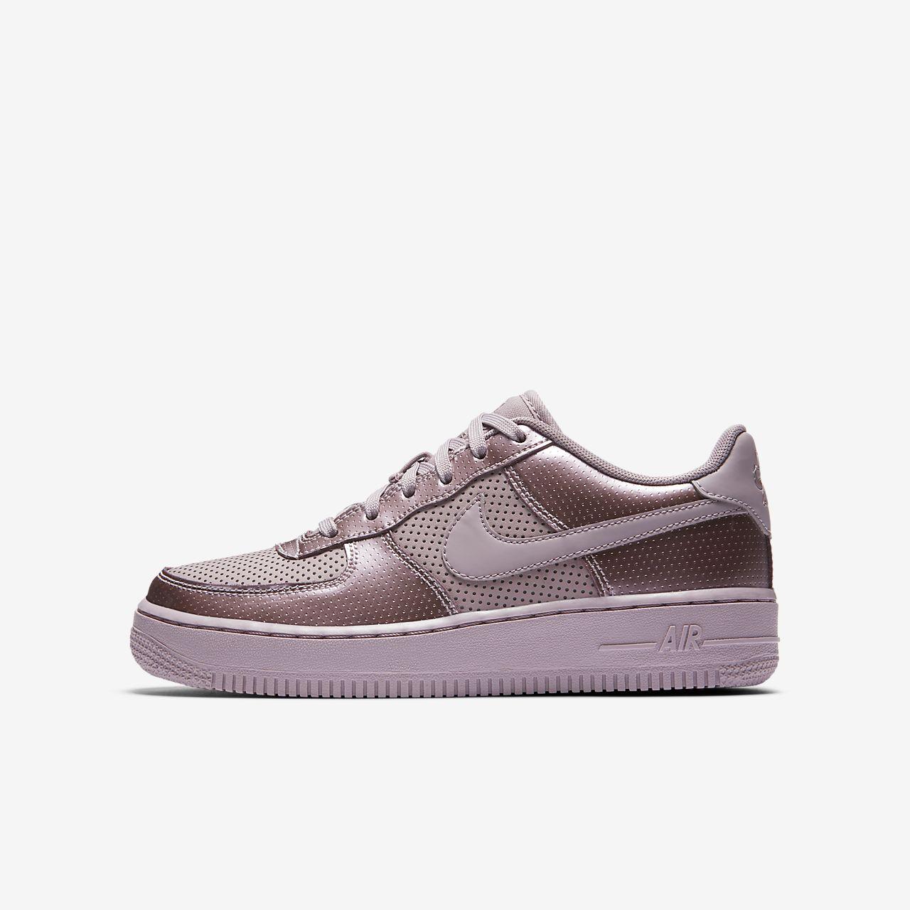 Chaussure Nike Air Force 1 LV8