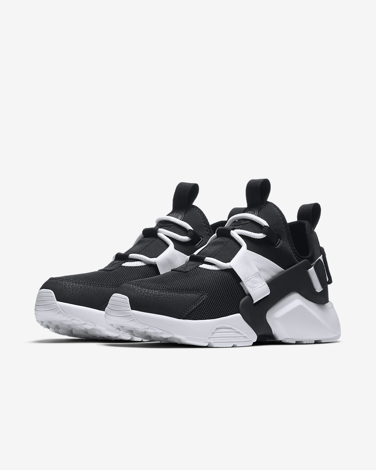 nike huarache city on feet