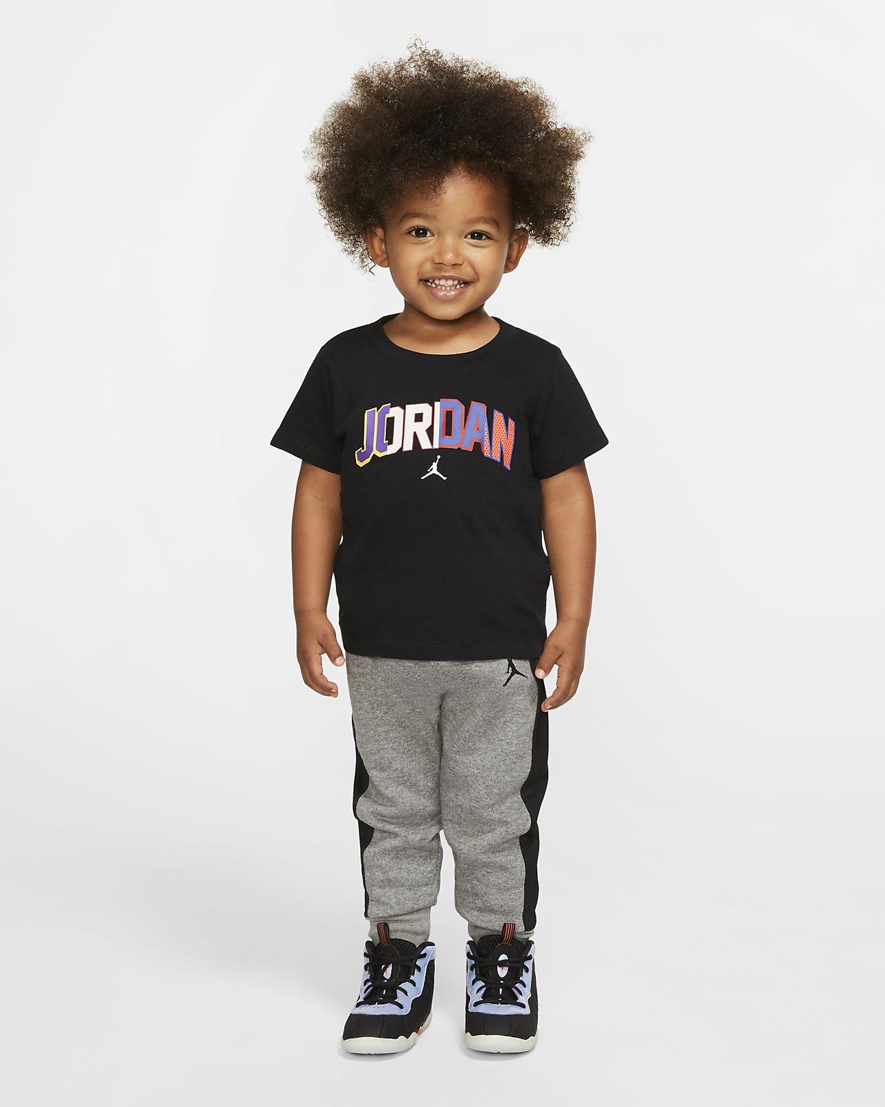Jordan Conjunto de dos piezas de camiseta y jogger - Bebé