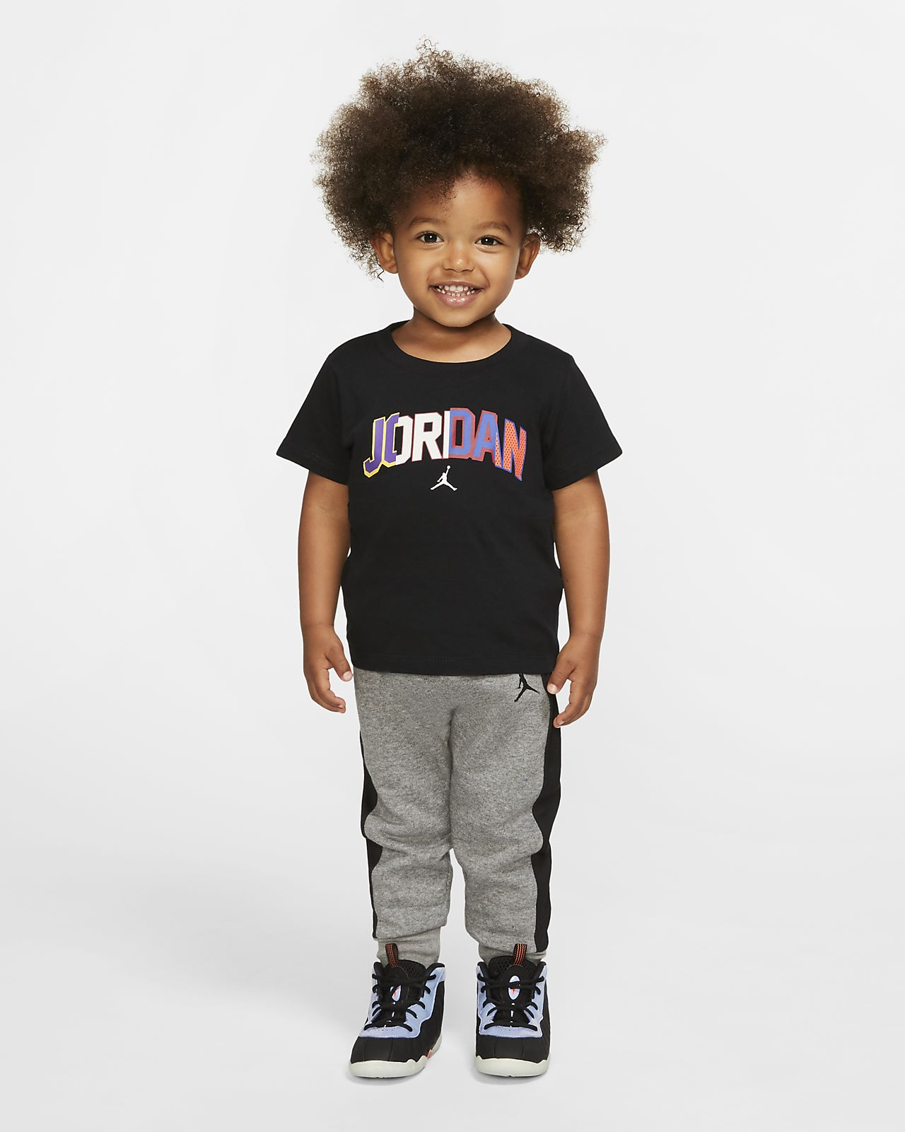 Jordan Tweedelige babyset met T-shirt en joggingbroek