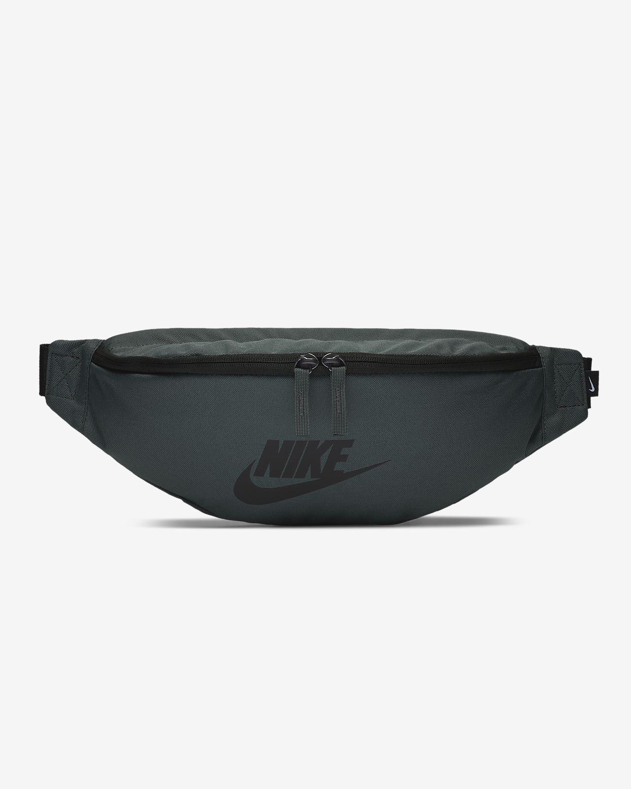 b867695697 Nike Sportswear Heritage Hip Pack