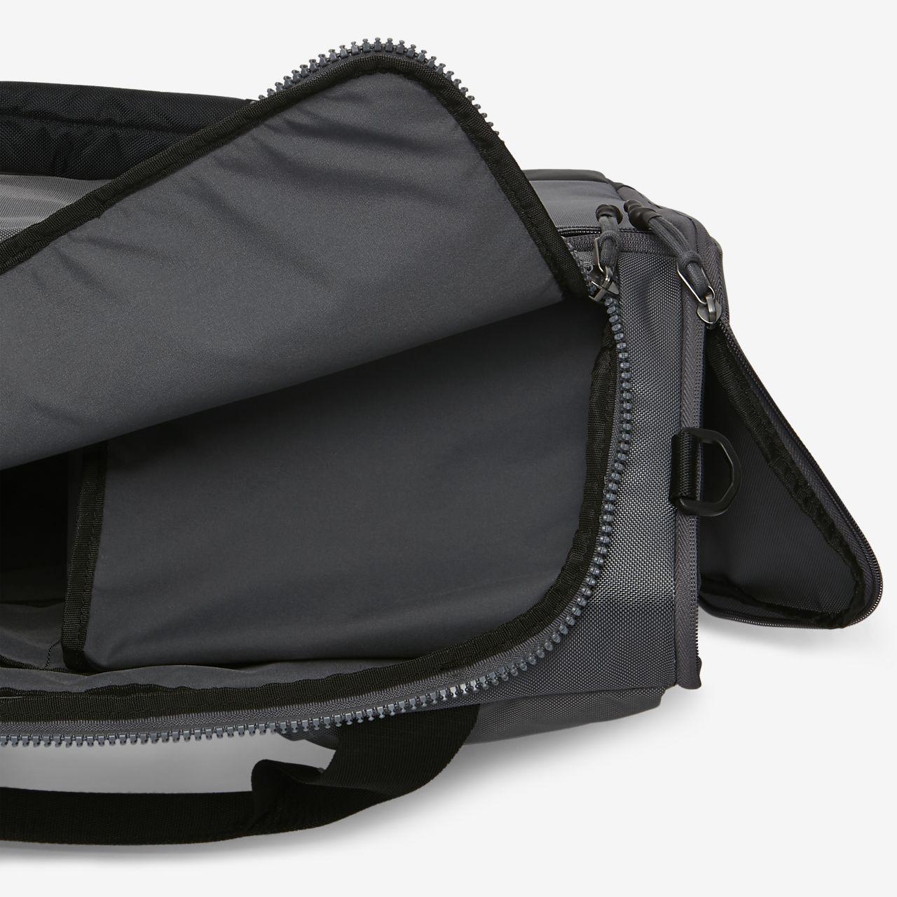 51cb8e58f7b05 Nike Sporttasche VAPOR POWER DUFFEL Small schwarz Kleidung   Accessoires