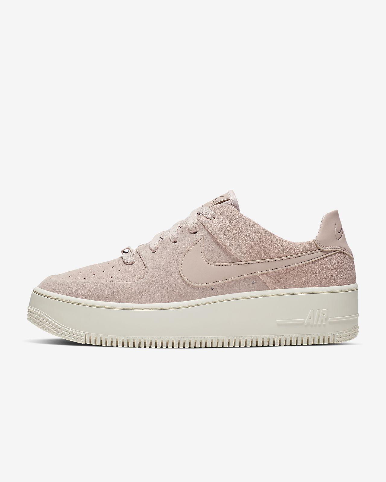 Женские кроссовки Nike Air Force 1 Sage Low. Nike.com RU a85332e1e4f