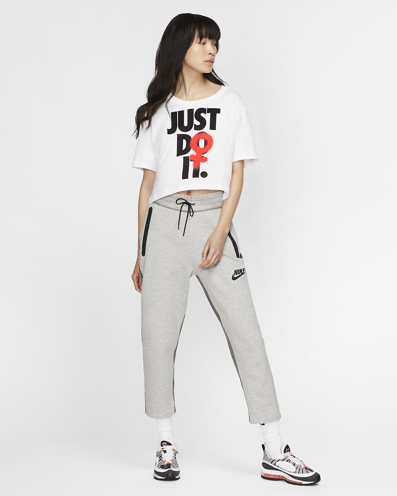 Sportswear Street Style Missguided | Nike socken, Sandalen