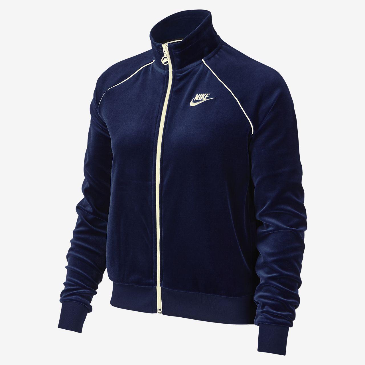 Chamarra de entrenamiento de velour para mujer Nike Sportswear