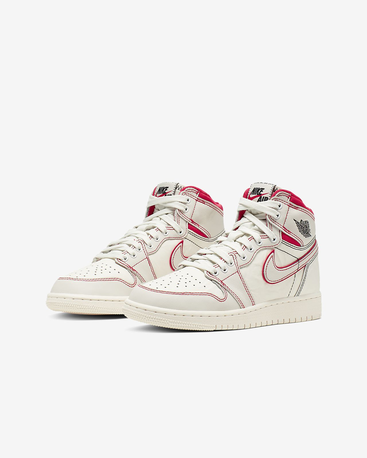 60e5007553c Air Jordan 1 Retro High OG Boys' Shoe. Nike.com