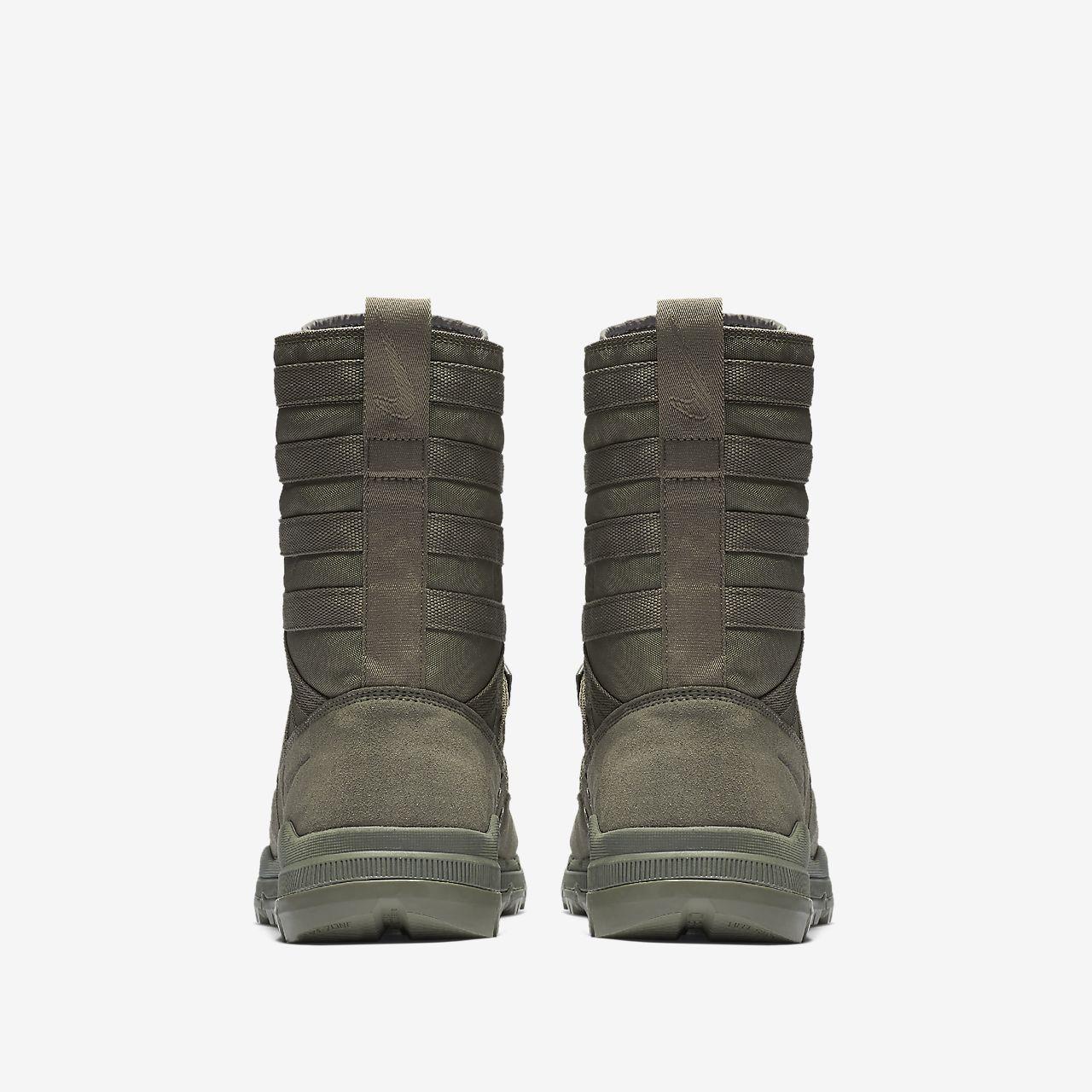 Unisex Boot 12